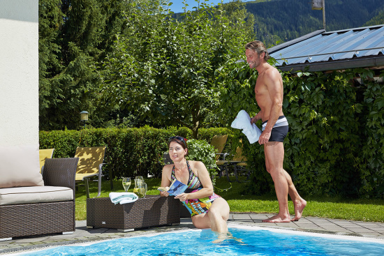 Smaragd-Spa_ Outdoor-Pool im Smaragd-Hotel Tauernblick in Bramberg, Wildkogel